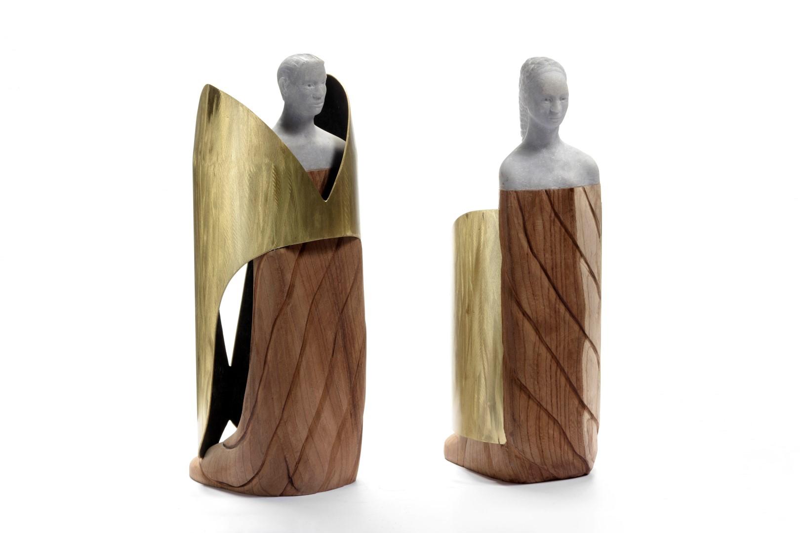 King and Queen, alabast, goudregenhout, mormer, messing op leer, h25x15x10cm, 2014, €3.000