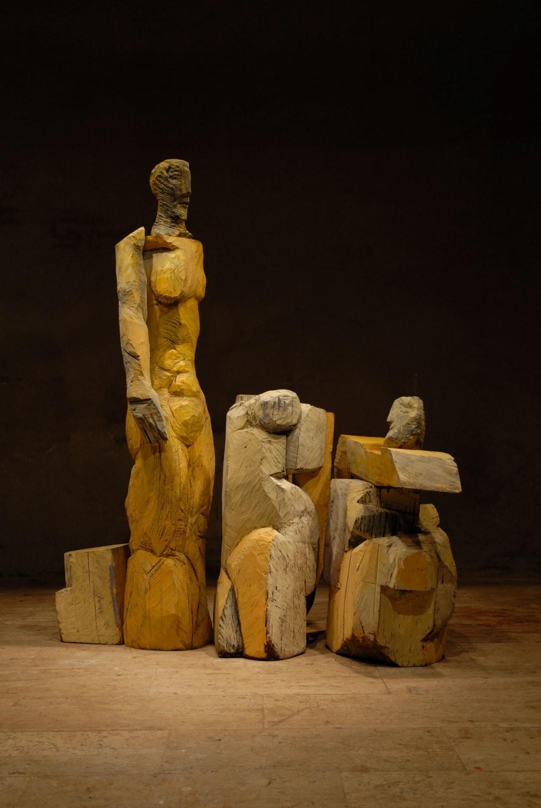 Lost memory (1), hout en brons, h2,3x2,5x0,7m